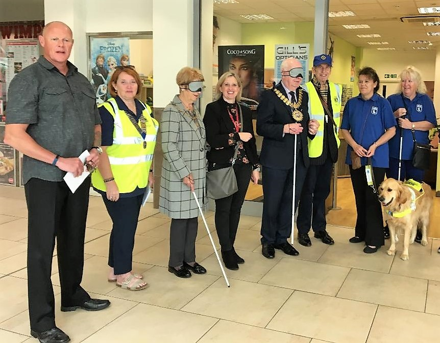 Mayor joins Southend in Sight and Southend Lions for World Sight Day